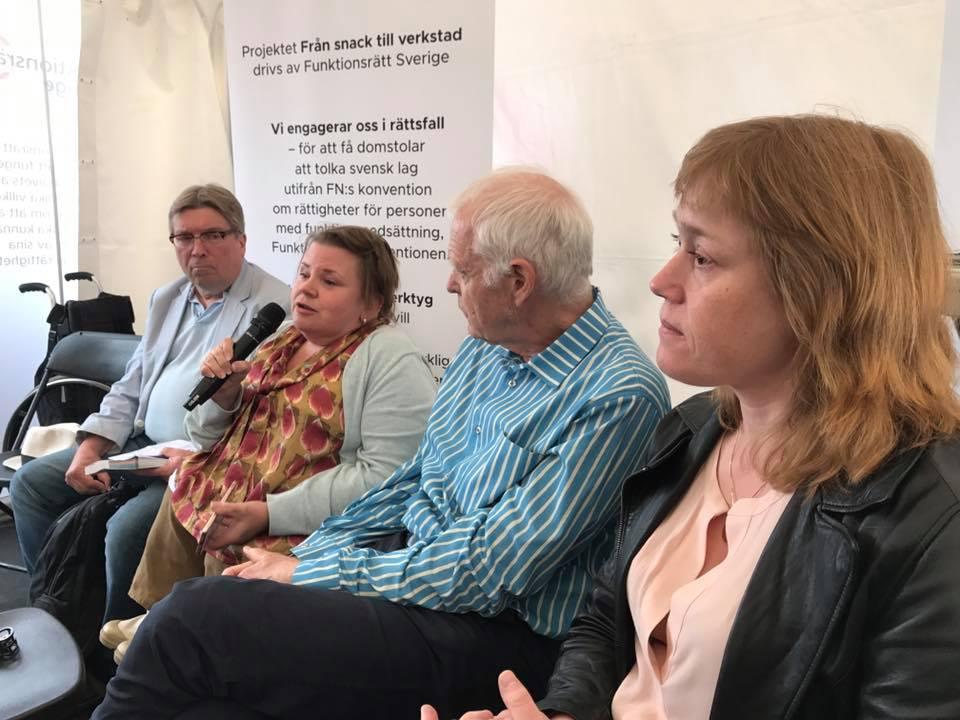 Paul Lappalainen, Maria Johansson, Thomas Hammarberg och Annika Jyrwall Åkerberg i panelen.