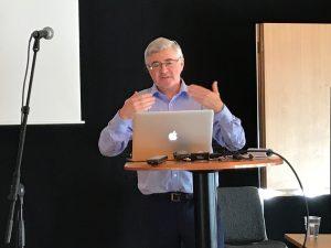 Gerard Quinn, professor i juridik, höll en introduktionsföreläsning om Funktionsrättskonventionen den 22 augusti.